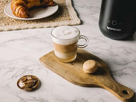 Cápsula de café Bianco Intenso y café con leche